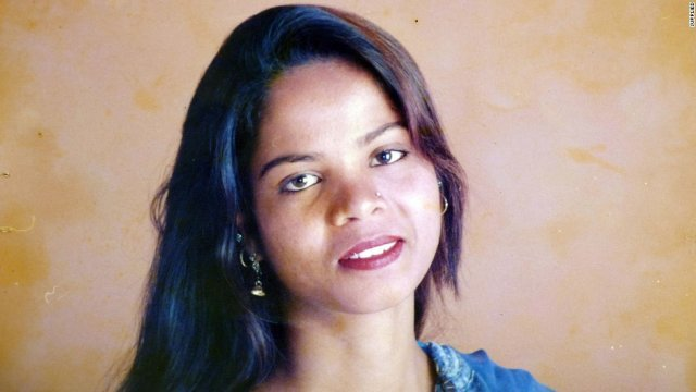Aasia Bibi leaves Pakistan for Canada