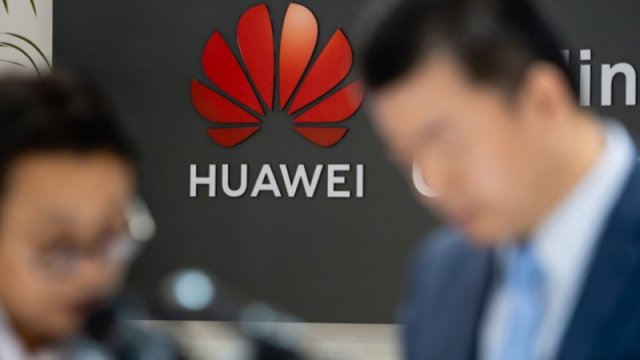 US lifts the ban on Huawei BUT temporarily