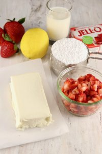 How to Make a Strawberry Cake at home