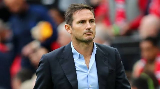 Chris Sutton says that Frank Lampard might lose the support of Chelsea Fans