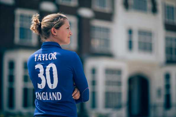 Sarah Taylor retires from international cricket due to anxiety problems